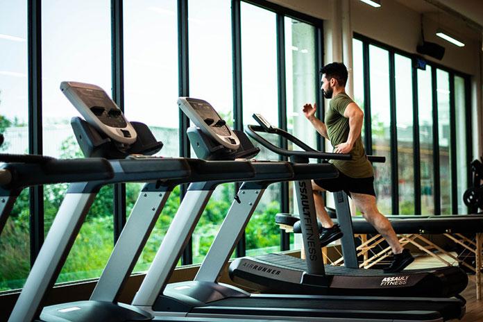 Męski strój na siłownię